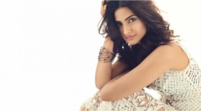 Sonam Kapoor Latest Wallpaper