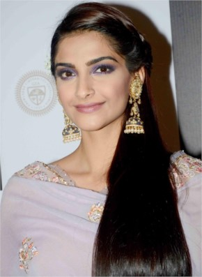 Sonam Kapoor Look Beautiful
