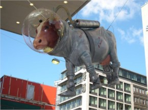 Strange and weird Statues-14