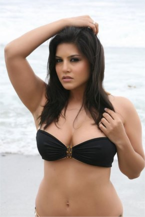 Sunny Leone model of glamor and actress