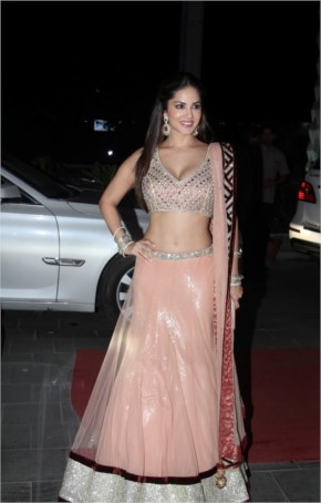 Sunny Leone Sexy Style | Lehenga Choli At Tulsi Kumar's Wedding Reception In Mumbai