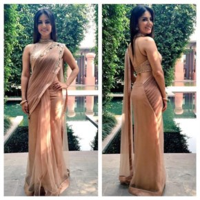 Sunny Leone | very beautiful sari for Delhi Kuch kuch Locha hai promos