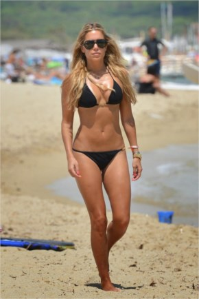 Sylvie Meis Hot Bikini Pictures - Beach in St. Tropez
