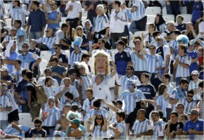 That Argentina did not score an early goal made many fans pensive
