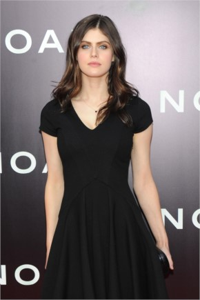 'True Detective' starlet Alexandra Daddario poses naked for new 'Vanity Fair' issue