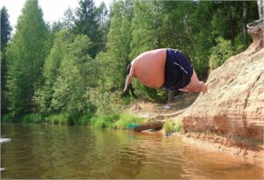 Very Funny Picture Sumo Jumping In The Water