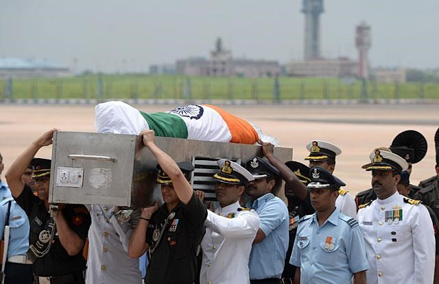 india pays tribute to missile man a p j abdul kalam