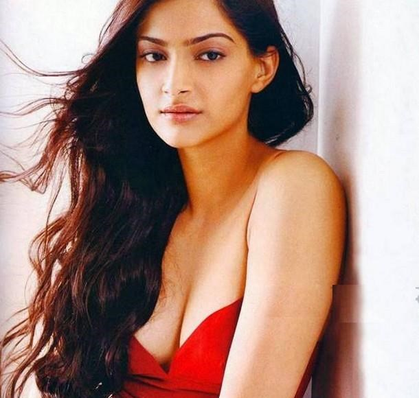 Sonam Kapoor Hot Sexy Look
