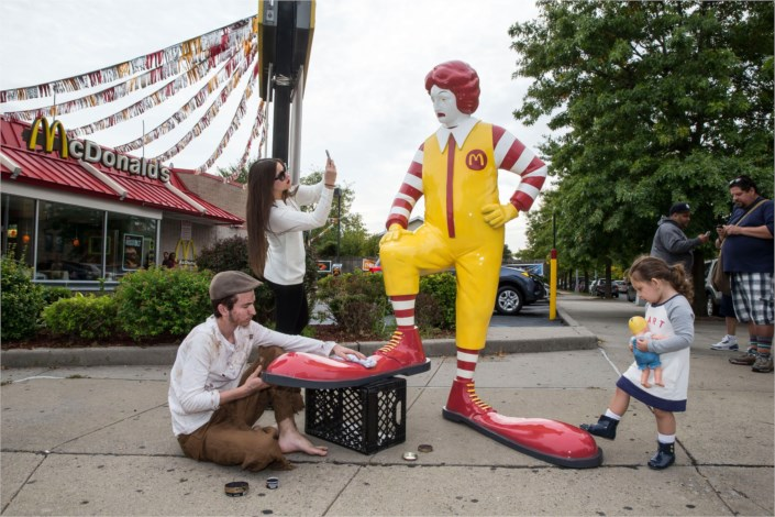30 Funny Images With Ronald Mcdonald Statues