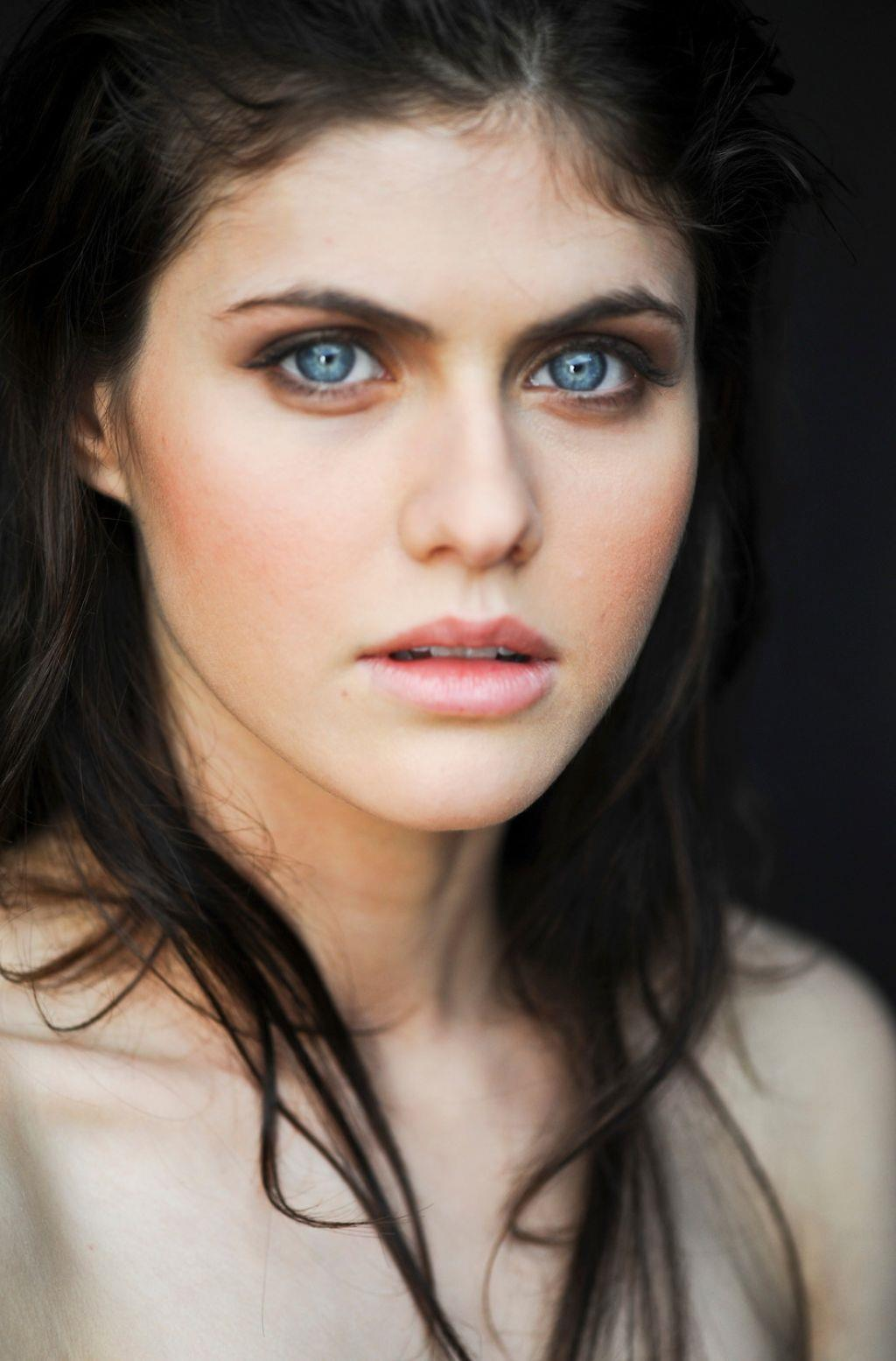 Alexandra Daddario Blue Eyes Zoom