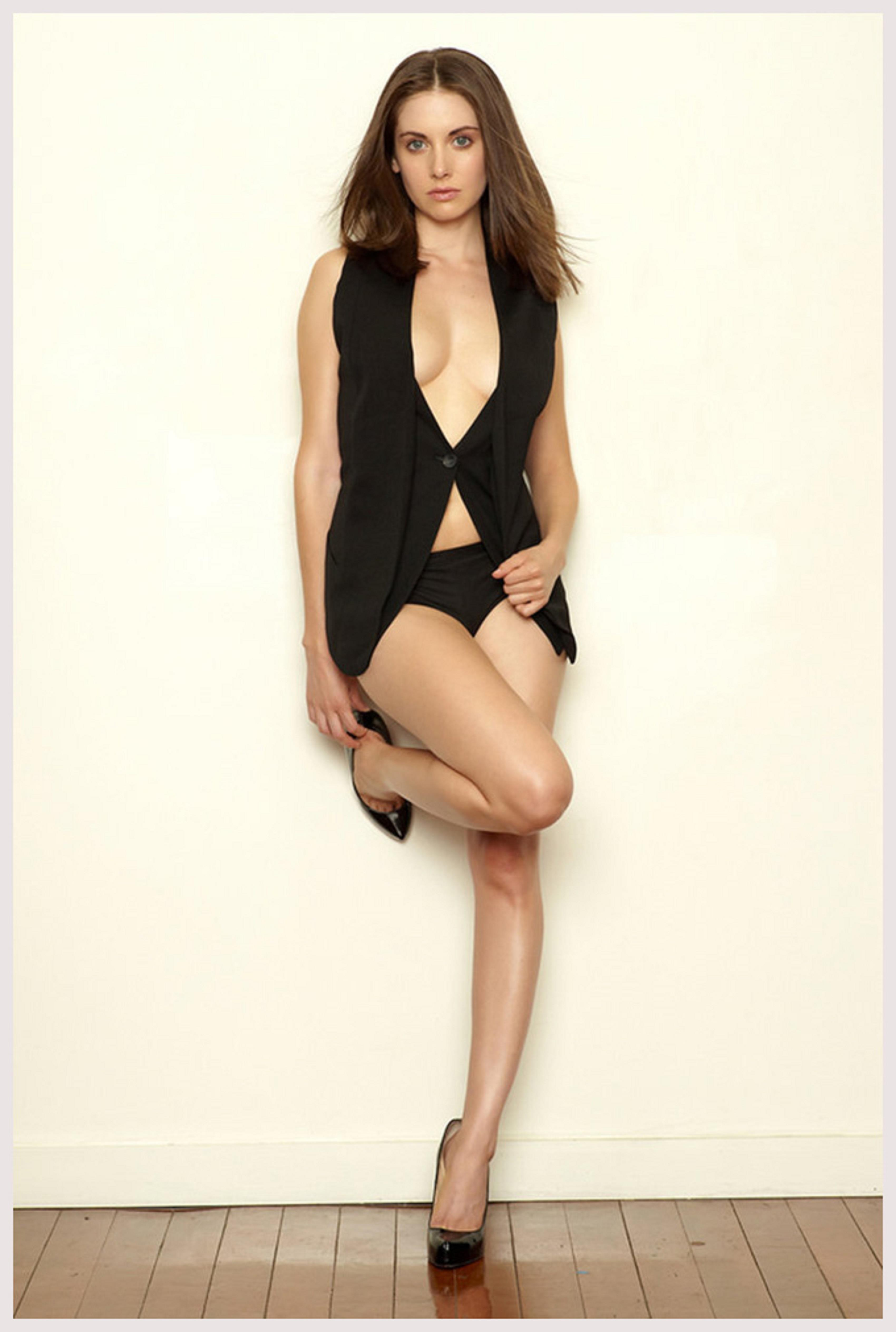 alison brie hot - photo #19