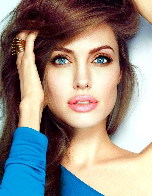 Angelina Jolie Gorgeous Hair Style With Beautiful Lips
