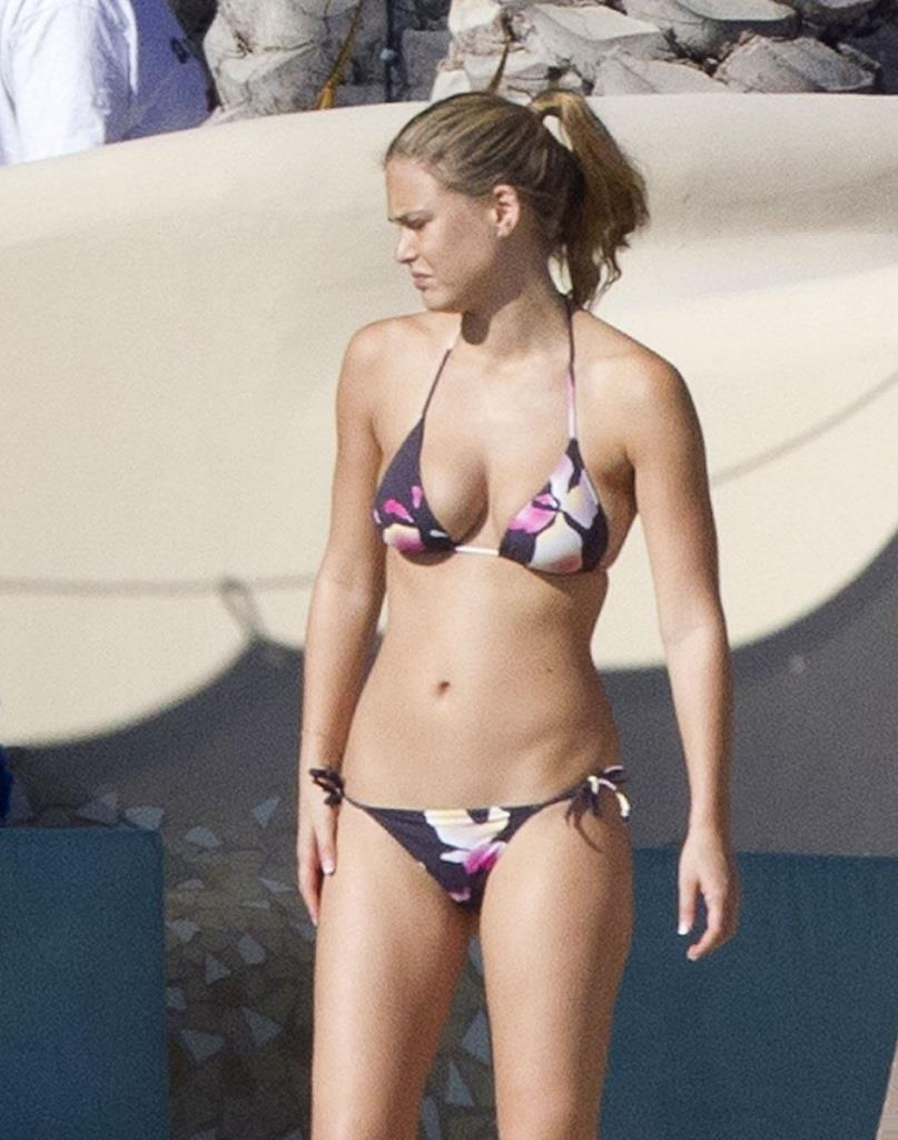 Bar Refaeli Bikini Bodies  Pic 30 of 35