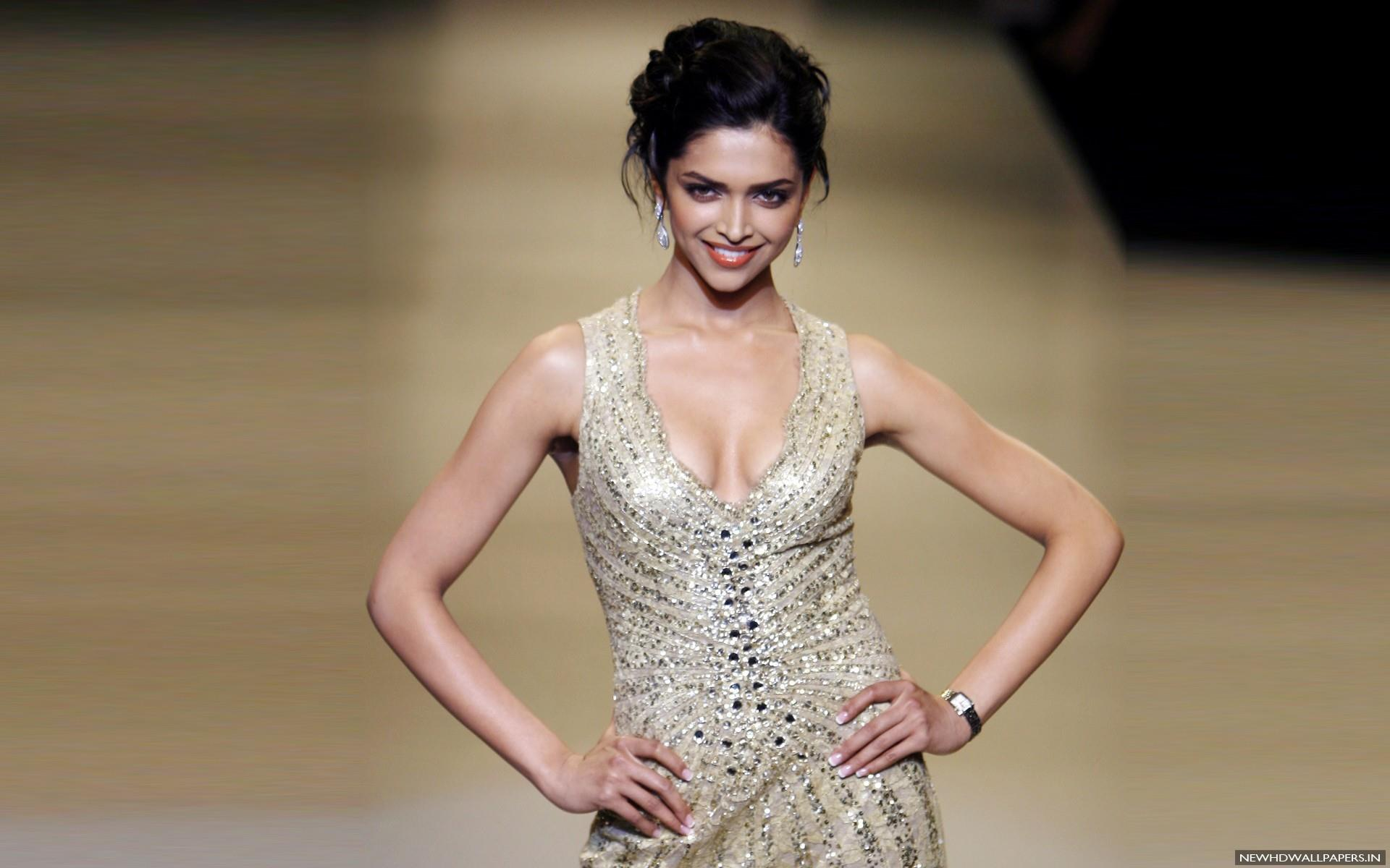 Deepika padukone hot sexy pictures