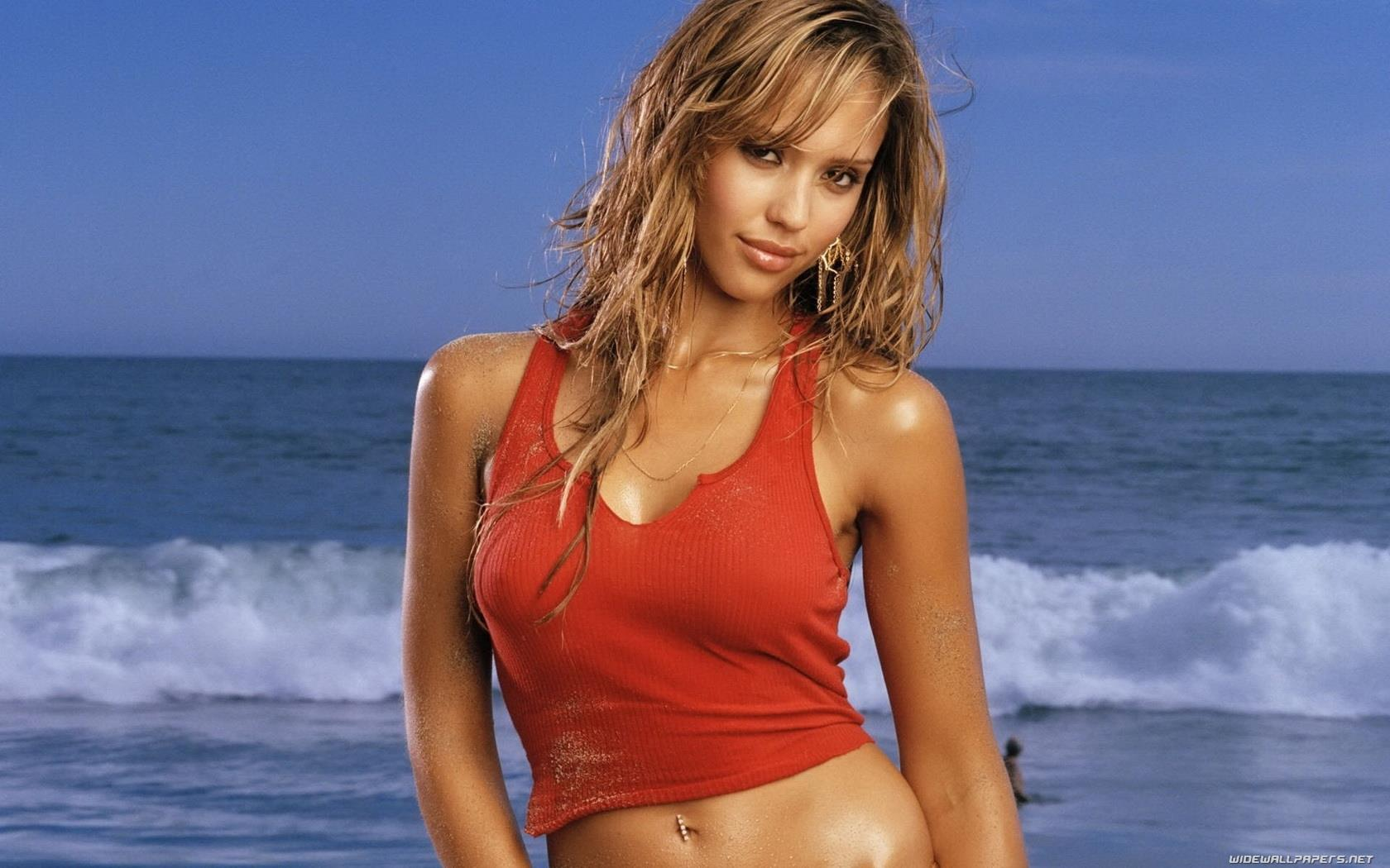 Jessica Alba Sexy Photos Of Jlo. Zoom. Zoom