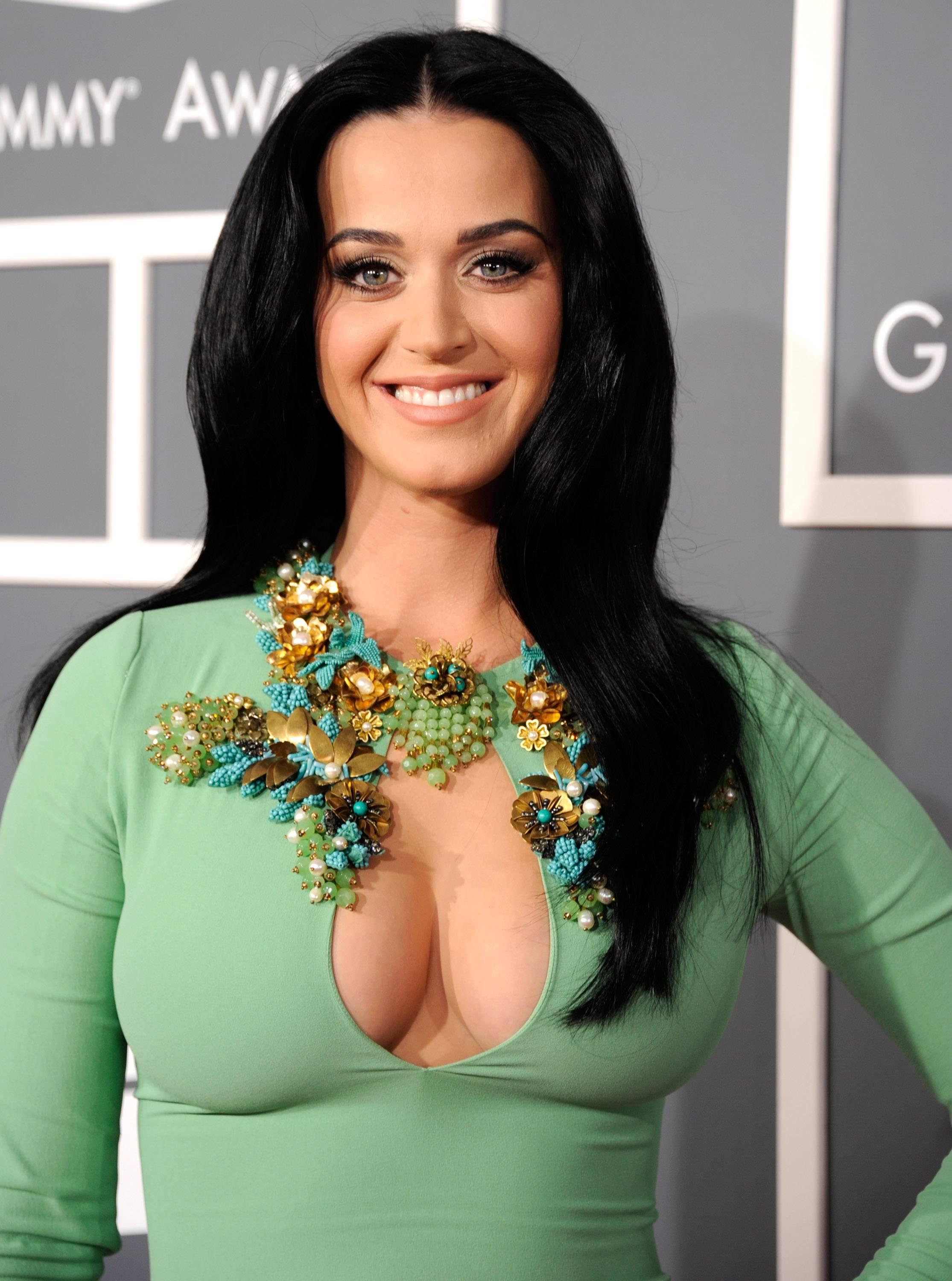 Was Katy perry cleavage casually