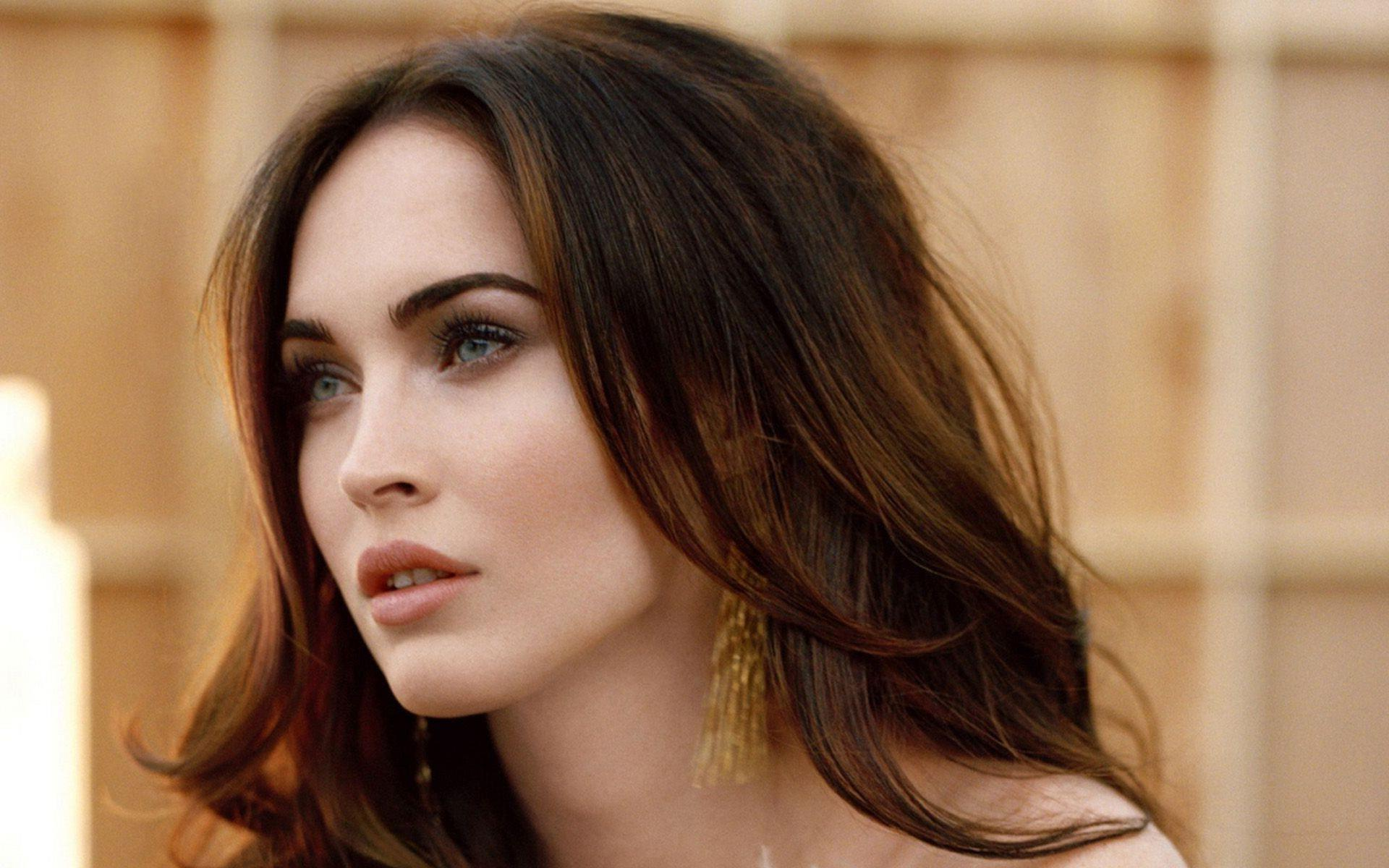 Megan Fox Hot Stylish Haircut