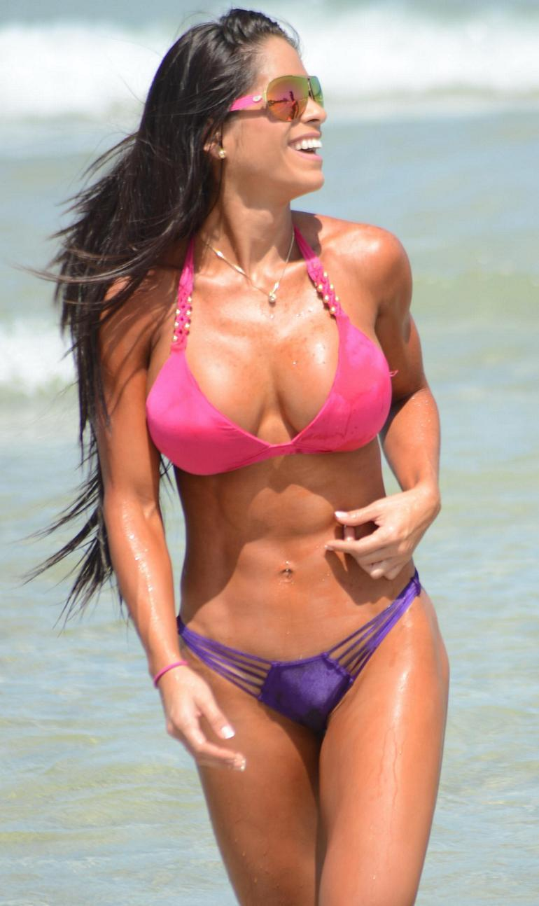 Images Michelle Lewin naked (39 photo), Topless, Paparazzi, Boobs, underwear 2006