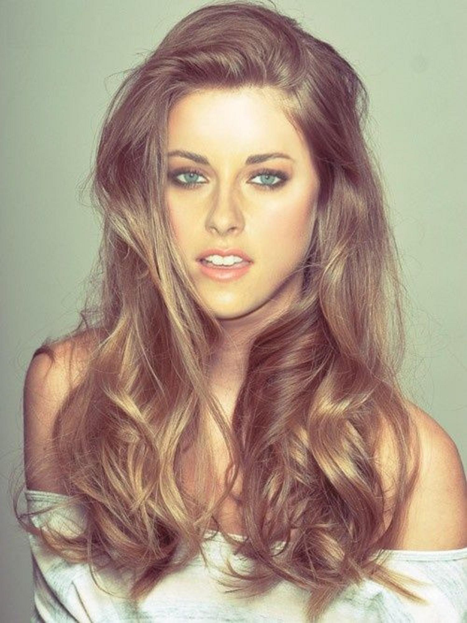 http://www.laughspark.info/uploadfiles/most-beautiful-pic-of-kristen--4214.jpg