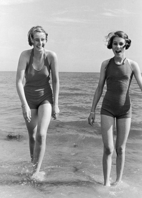 Picture Of 80th Vintage Celebrity In Bathing Suits
