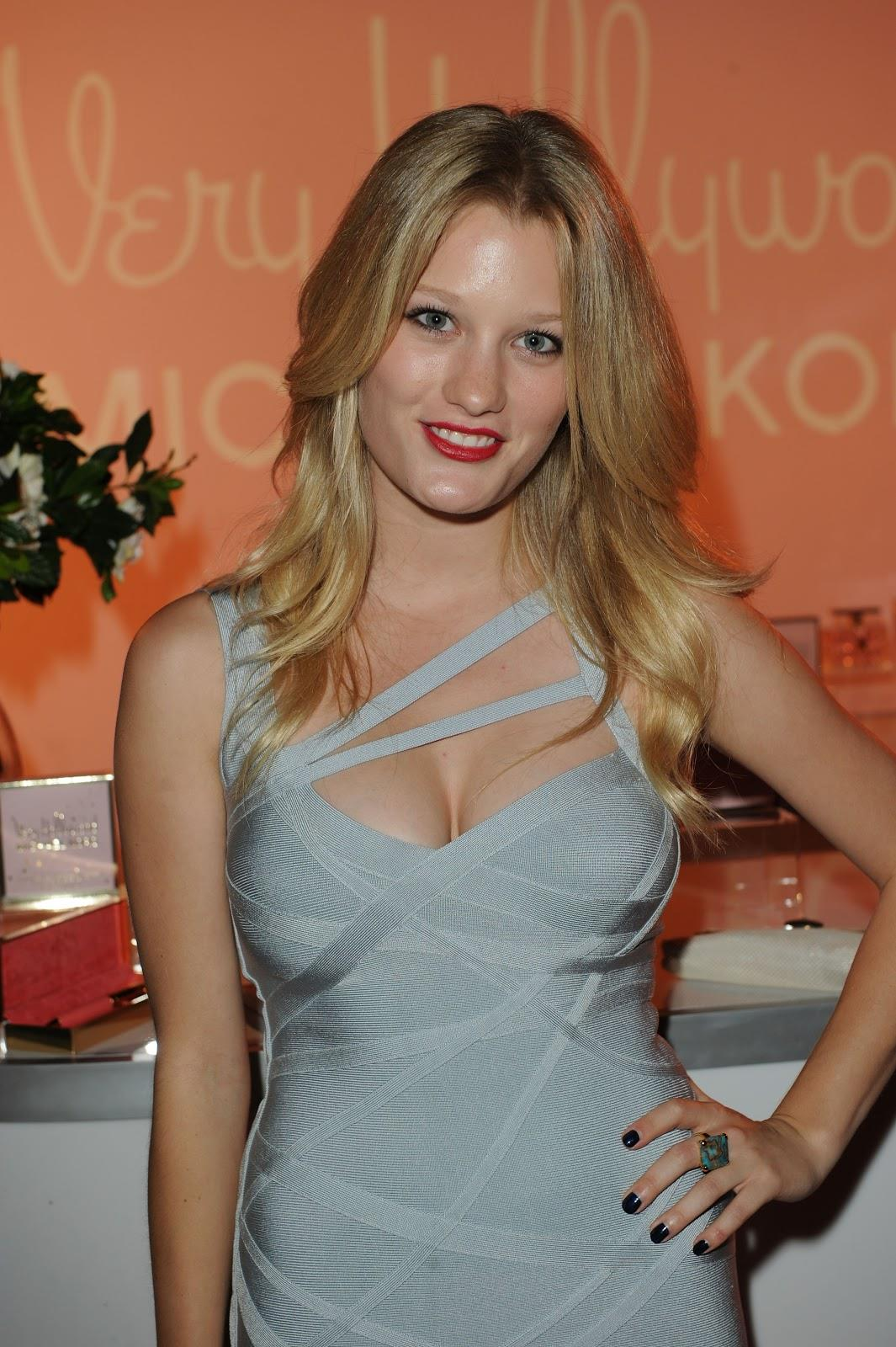 Ashley Hinshaw Nude Photos 61
