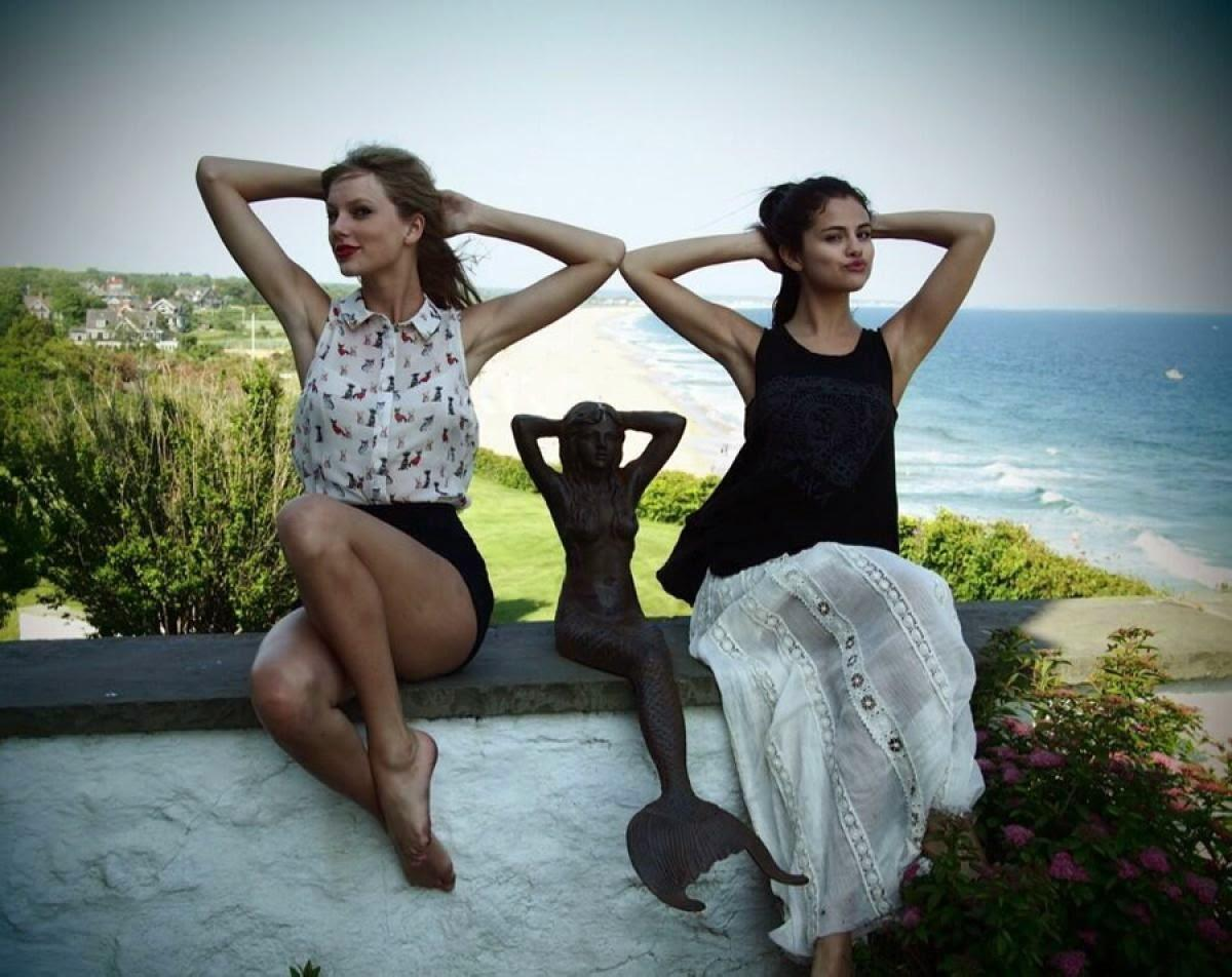 taylor swift and selena gomez sexy as a mermaid sweetest