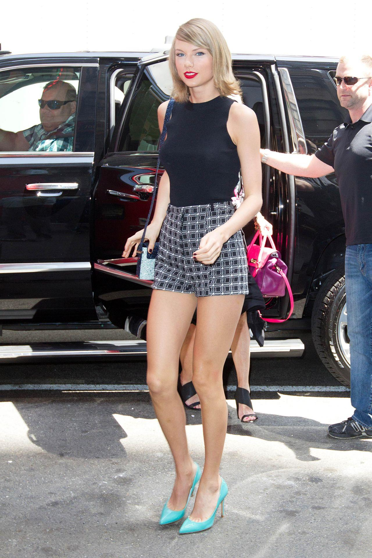 Taylor Swift Street Style Outfit Shows Off Her Legs In A Pair Of Short Shorts At Nyc