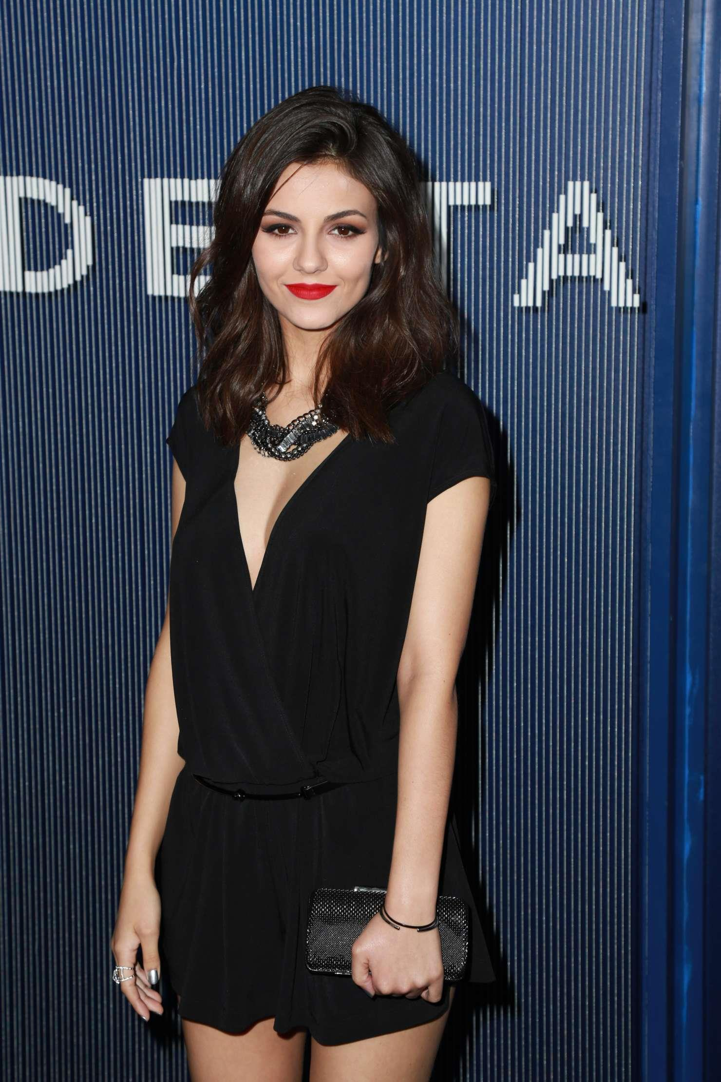 Victoria Justice In Grammy Awards 2015